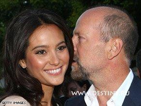 Брюс Уиллис (Bruce Willis) женился