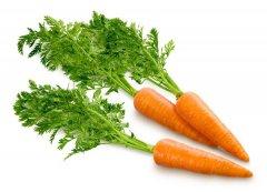 Храните морковь в шелухе лука