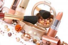 Правильное хранение косметики продлит срок её службы