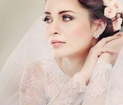 Классический макияж подчеркнёт вашу естественную красоту и придаст образу нежность