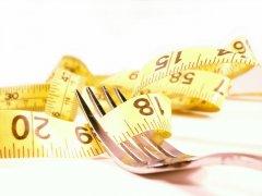 Если тщательно пережёвывать пищу, вы сможете быстрее избавиться от лишнего веса