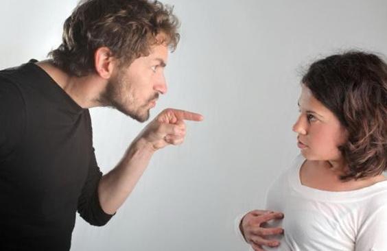 10 женских привычек, дико раздражающих мужчин