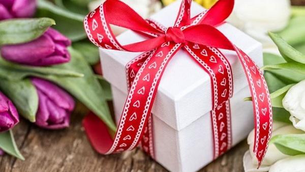 Как сделать лучший подарок на 8 марта и угодить всем знакомым дамам