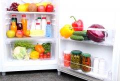 Наведите порядок в холодильнике после новогодних праздников