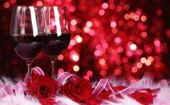 Как отметить день всех влюблённых?